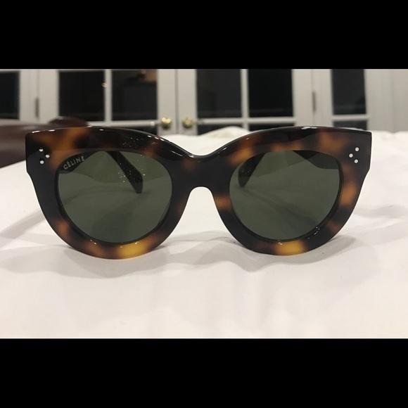 1435bef379e Celine Accessories - Celine 41050 S classic cateye Sunglasses in Havana